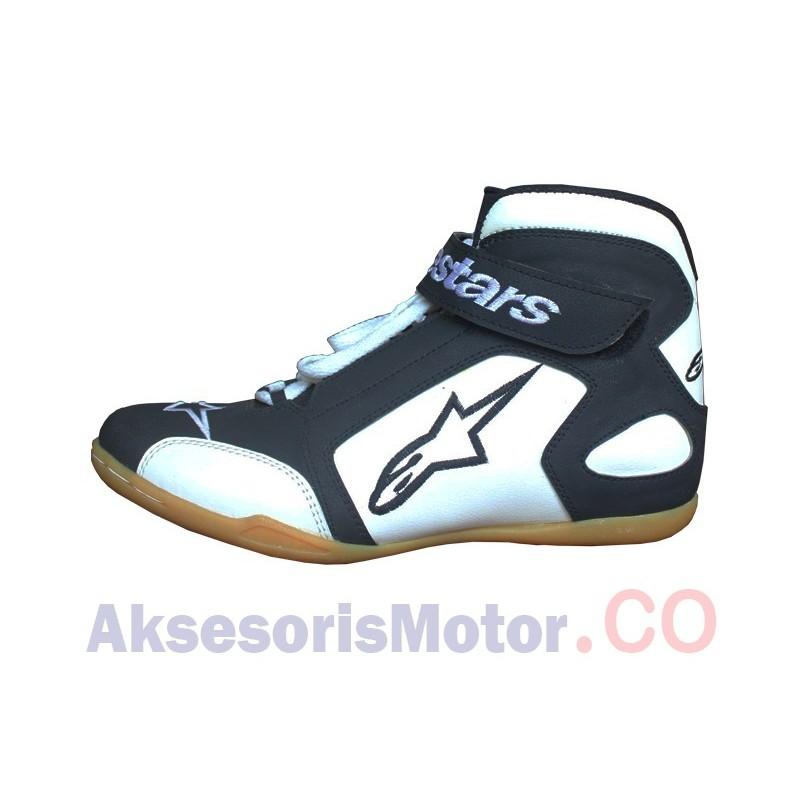 Sepatu Drag Boots Alpinestar khusus untuk pengendara motor. Bisa digunakan  untuk touring 8cecfe7b86