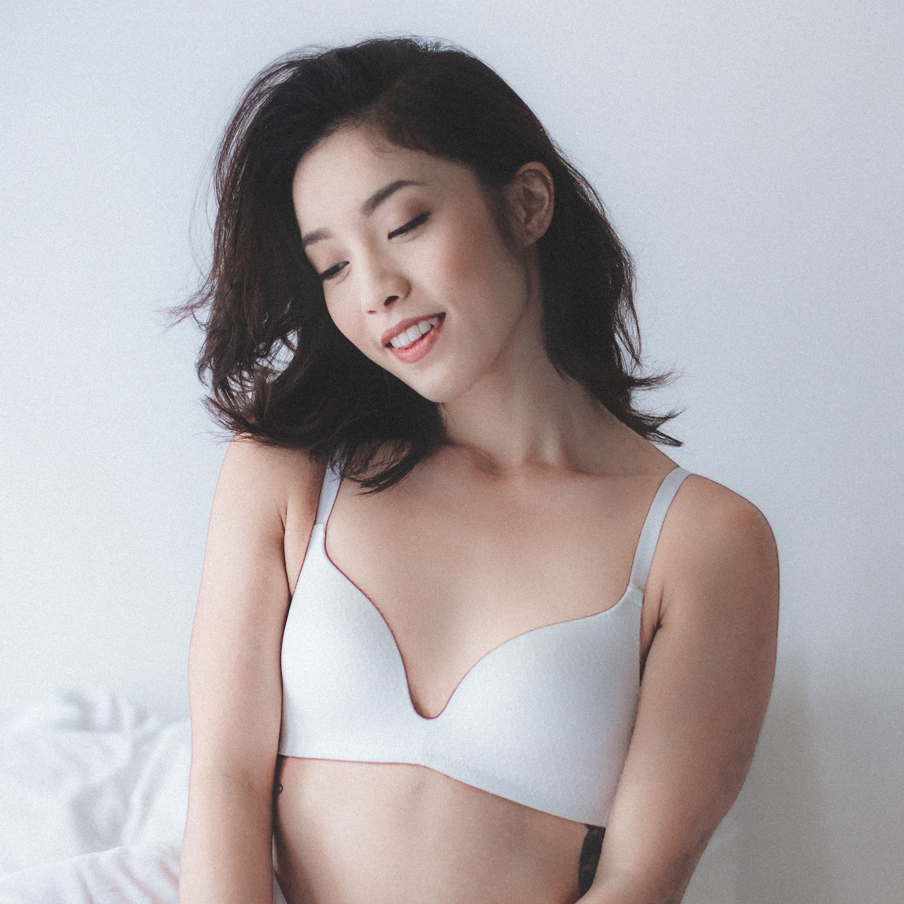 e84965414f06f Wireless - Feather Light - Soft Breathable Fabric - Stretchable Bands -  Adjustable Shoulder Straps - Padded Super Soft Bra Cups