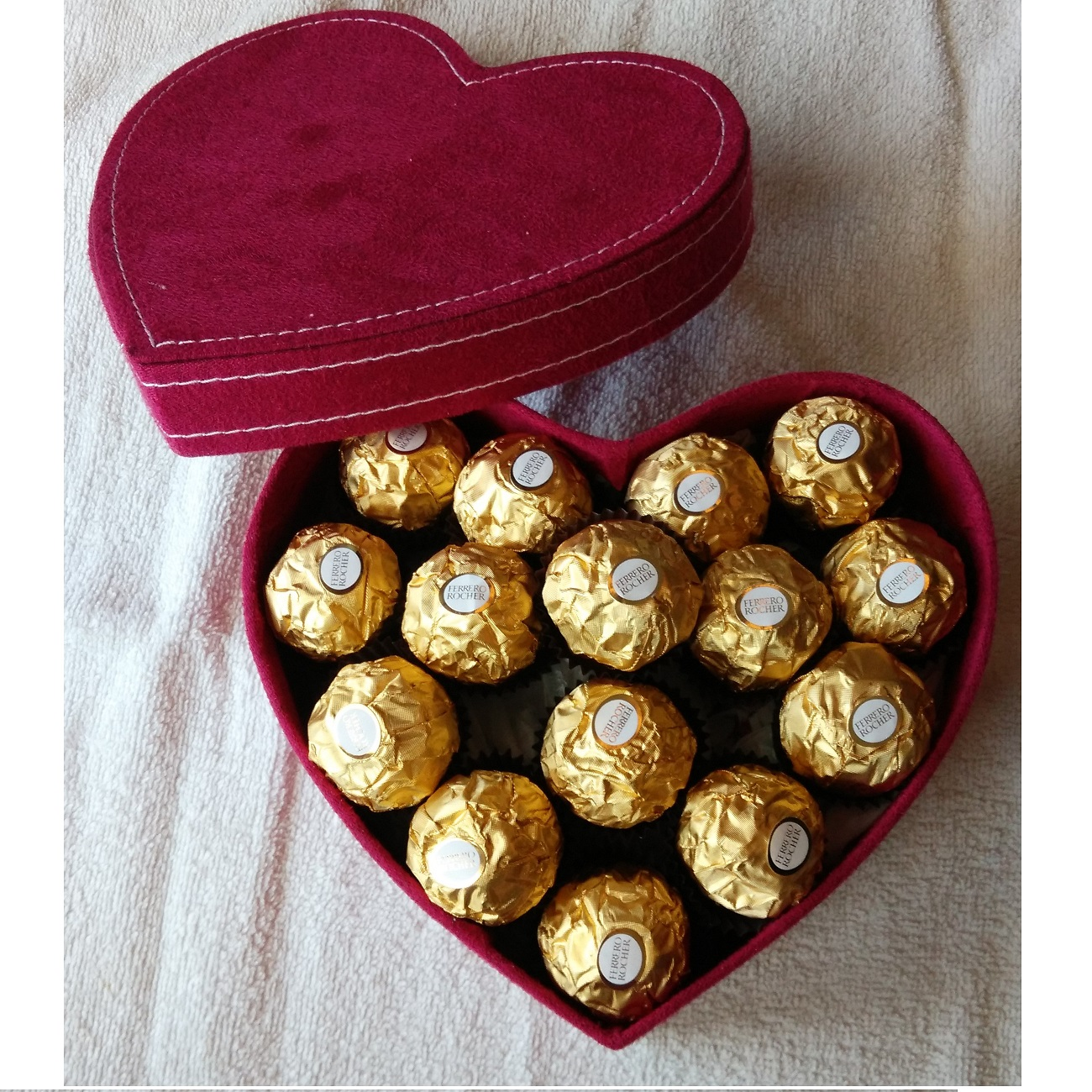 Buy Ferrero Rocher Chocolate Gift Box For Valentines Day Deals For