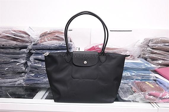 81c3036473a9c5 Longchamp Le Pliage Neo Long Handle Small Black 2605 578 001. Color: Black  Size: 28 x 25 x 14 cm. Material: Satin Nylon Canvas