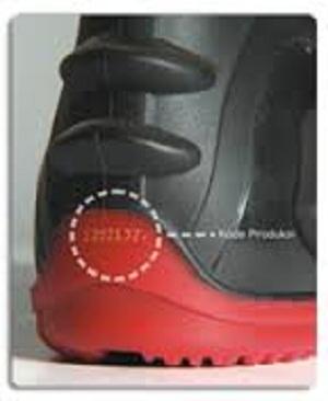AP Moto adalah sepatu boots yang di desain khusus untuk pengendara sepeda  motor di Indonesia dengan mempertimbangkan seluruh kebutuhan pengendara  motor ... 1fd3ff85df